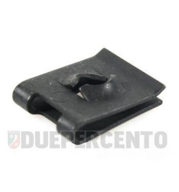 Piastrina brunita PIAGGIO per vite autofilettante Ø 4,8mm passacavi per cuffia motore, Vespa 50/ 50 Special/ ET3/ PV/ PK50-125/ S/ XL/ XL2/ ETS/ PX125-200/ P200E/ Rally 200/ T5