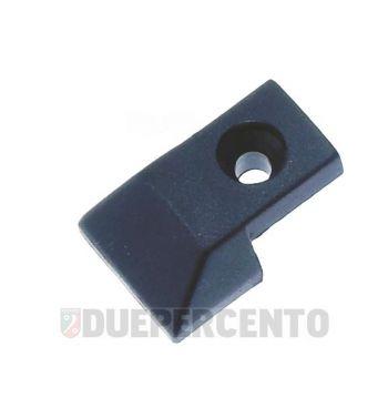 Puntale listelli pedana in plastica con foro per Vespa P125-150X/ PX125-200E/ Lusso 1°/P150S/ P200E