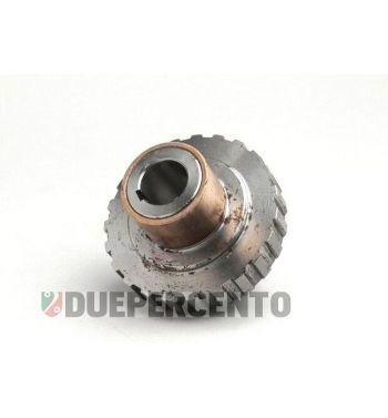 Boccolo frizione per campana frizione 8 molle per Vespa PX125-200 / P200E / 180-200 Rally/ Cosa/ Sprint / 125 GT / GTR / T5